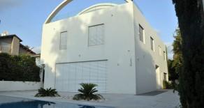 Et villa neuve et moderne à Herzliya Pituach
